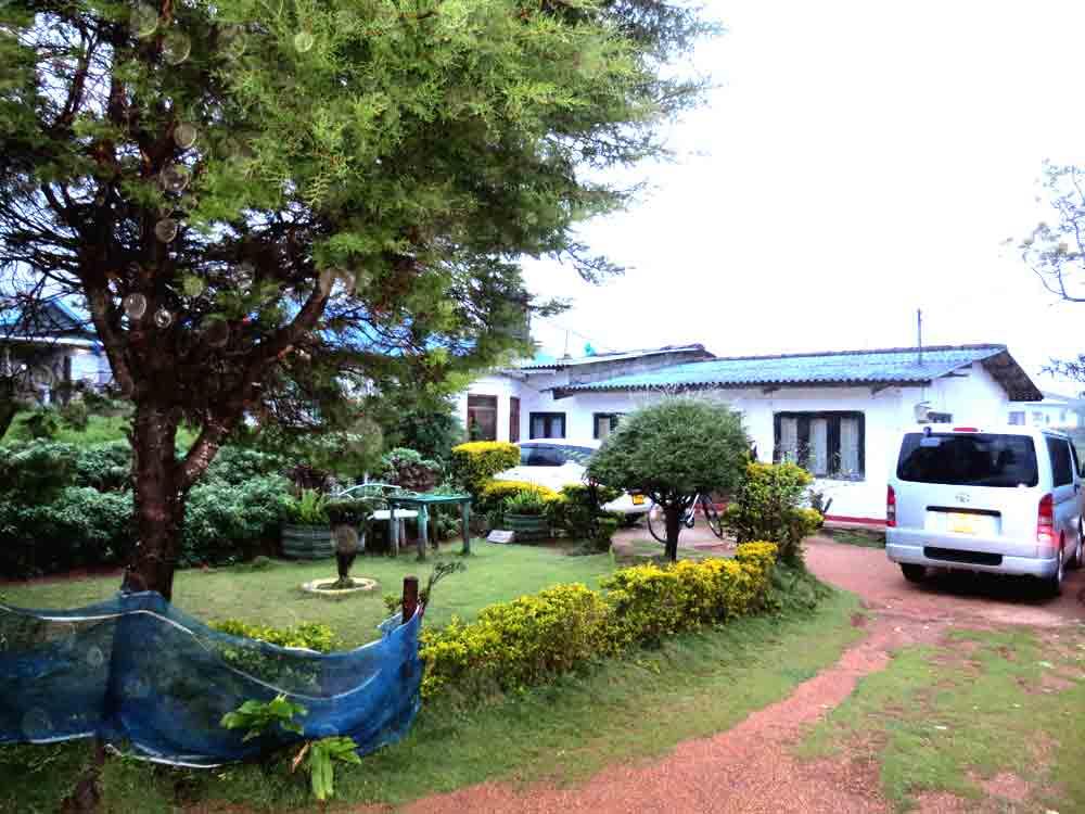 Karunadasa Rest Rooms at Pattipola