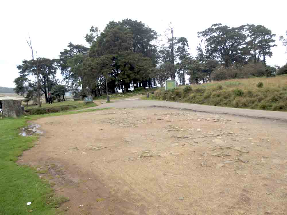 Horton_Plains_Car_Park_Entrance_Nuwara_Eliya