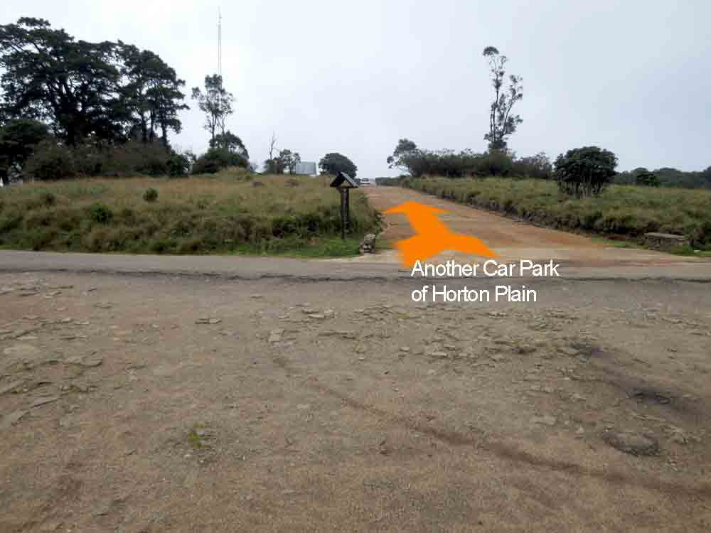 Horton_Plains_Car_Park_Nuwara_Eliya