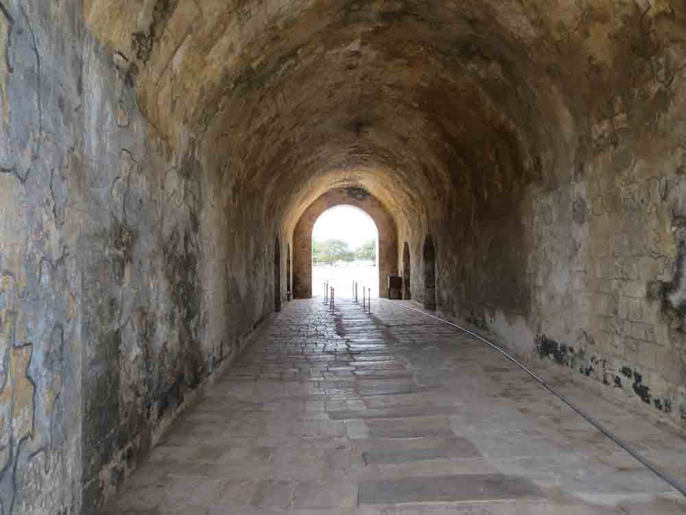 Jaffna-Dutch-Fort-Inside