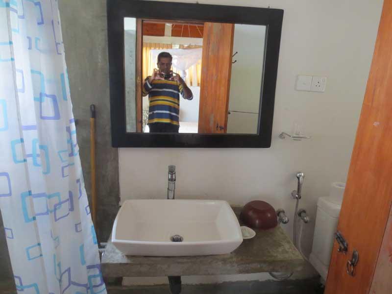 Hill Safari Eco Lodge, Ohiya Balcony rooms Wash Rooms