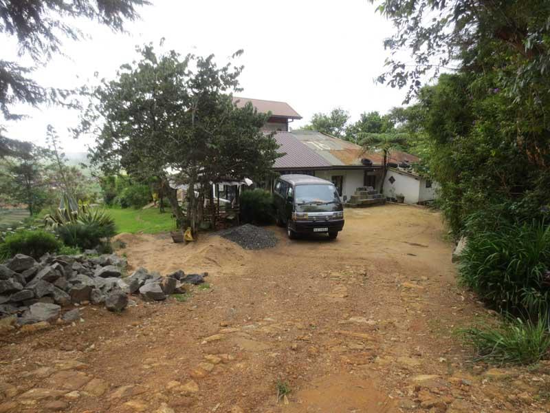 Hill Safari Eco Lodge, Ohiya Front Garden
