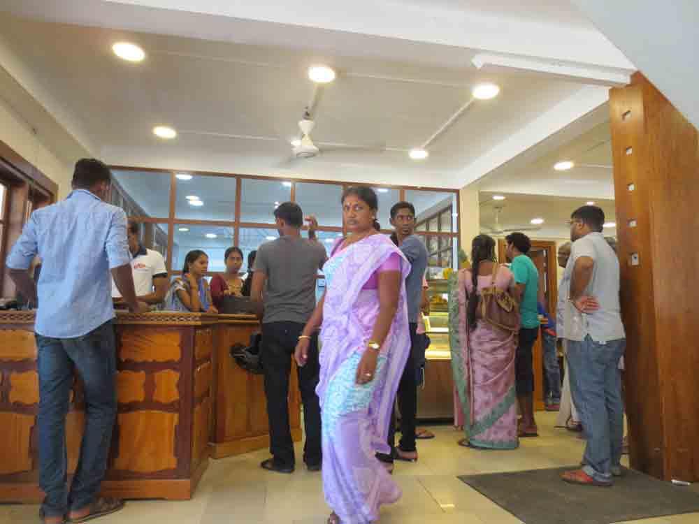 Rio-Ice-Cream-in-Jaffna22