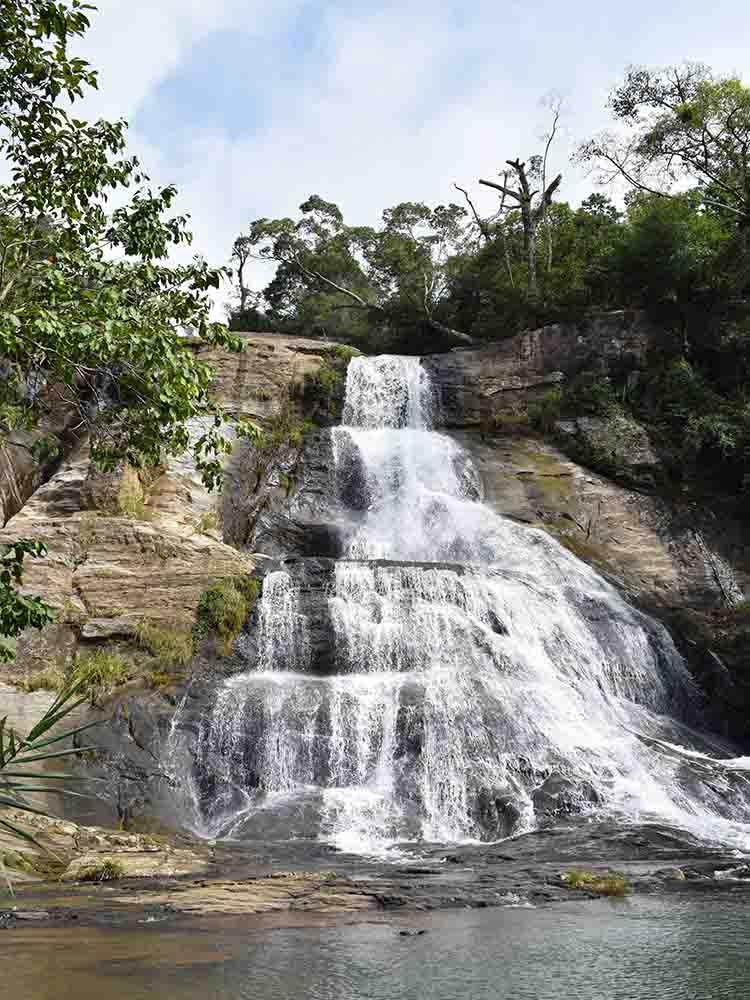 Upper Diyaluma Falls