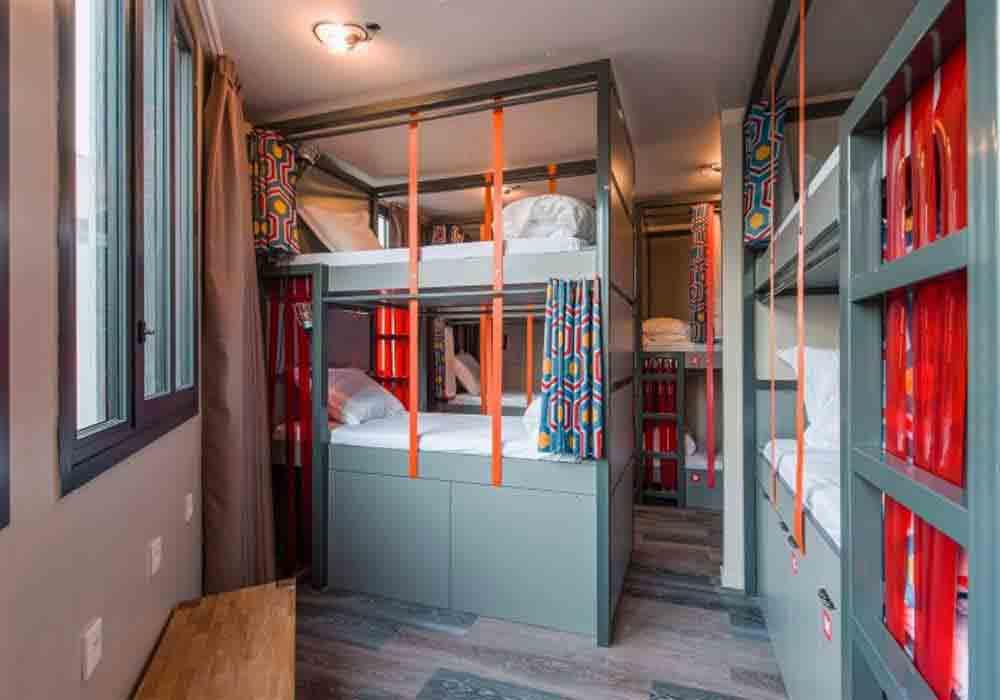 Les Piaules Hostels Bunker Beds