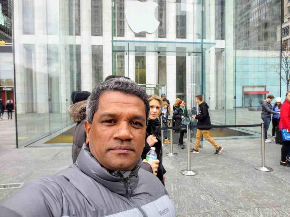 Chandana Perera - Apple Store in New York