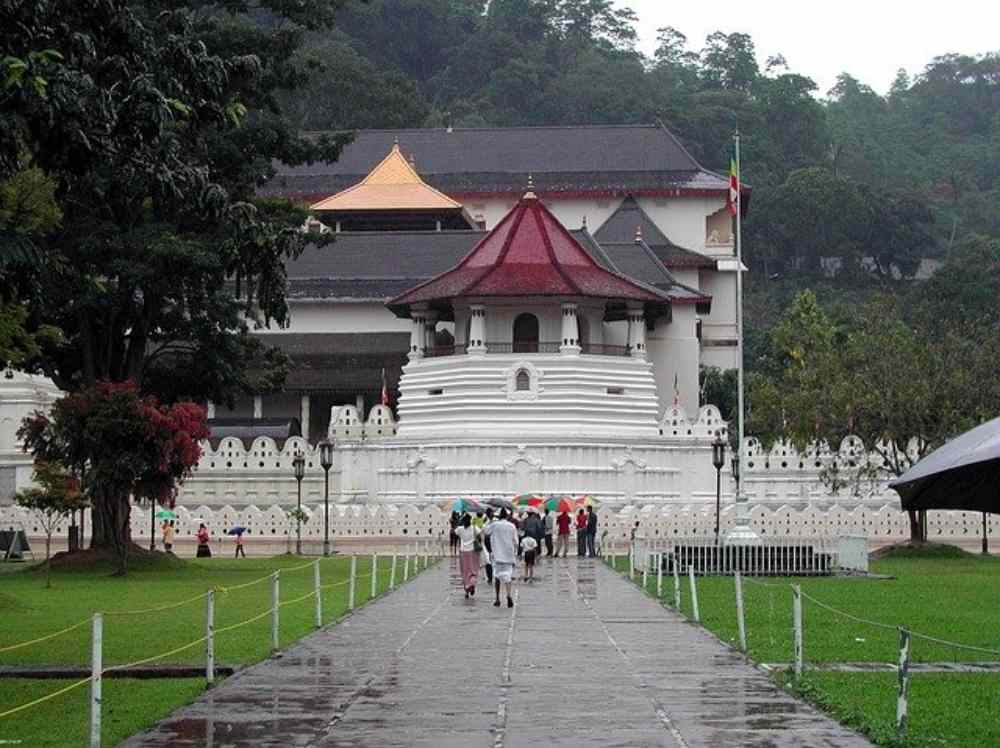 The temple of the Tooth or locally known as 'Dalada Maligawa'
